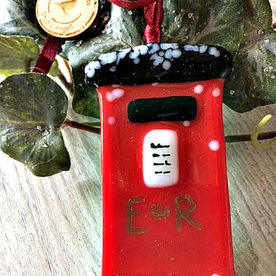 Traditional Post Box Glass Decoration.