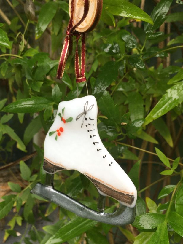 Fused Glass Ice Skate Decoration/Ornament